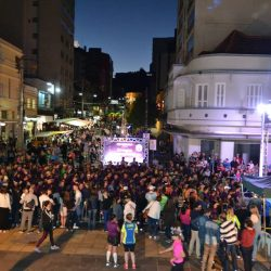 Mais de 600 pessoas participam do Sparkling Night Run